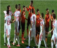  مشادة بين طارق حامد ولاعب نهضة بركان أثناء السلام بين الفريقين