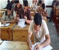 «التعليم»: 409.7 ألف طالب أدوا امتحان الأحياء إلكترونيًا