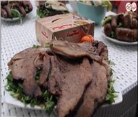 فيديو| «ملوك الأكل الشعبي».. سر الممبار وحلويات اللحوم عند «بحة»