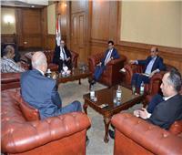 وزير الشباب والرياضة يجتمع باللجنة الأولمبية ورئيس اتحاد التجديف