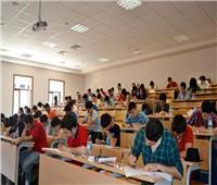 رغم «الحر والصيام»| رئيس جامعة القاهرة: لا شكاوى والامتحانات تسير بانتظام