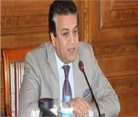 وزير التعليم العالي يفتتح تجديدات بكلية سياحة وفنادق بجامعة حلوان
