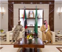 ولي العهد السعودي يستقبل رئيس المجلس الانتقالي السوداني