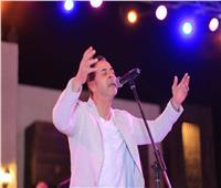 صور| مدحت صالح يتألق بسهرة طربية في خيمة «الحارة»
