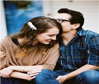 استشاري علاقات أسرية تقدم نصائح للفتيات في فترة الخطوبة