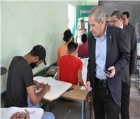 صور| نائب وزير التربية والتعليم يتفقد لجان امتحانات الدبلومات الفنية بمحافظة القليوبية