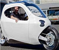 بالصور..LIT Motors C1 نصف سيارة ونصف دراجة نارية