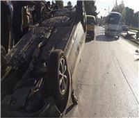 مصرع وإصابة ٨ عمال في انقلاب سيارة بالطريق الصحراوي بالبحيرة
