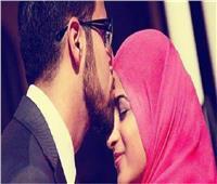هل تقبيل الزوجة يُفسد الاعتكاف؟.. «مفتي الجمهورية» يجيب