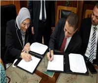 رئيس الشركة المصرية لنقل الكهرباء توقع عقد توريدوتركيب4 محولات