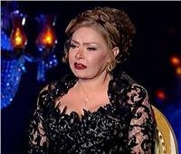 لوسي تبكي على الهواء في ذكرى وفاة الكاتب أسامة أنور عكاشة
