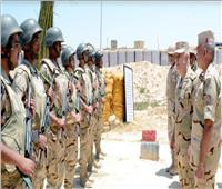 رئيس الأركان يتفقد قوات التأمين من القوات المسلحة والشرطة بشمال ووسط سيناء