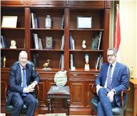 وزير الآثار يلتقي سفير استراليا
