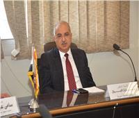 رئيس جامعة أسيوط يدين حادث شمال سيناء ويشيد ببسالة الجيش والشرطة