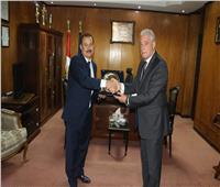 محافظ جنوب سيناء يكرم مدير الأمن ويهنئه بعيد الفطر
