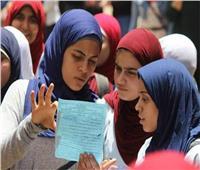ضبط شقيقة طالبة بلجنة خاصة بدمياط قامت بتسريب جزء من امتحان الثانوية العامة
