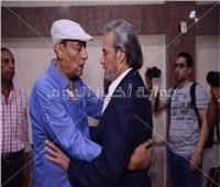 صور| الفيشاوي وصلاح عبد الله وبدير في عزاء والدة حجاج عبد العظيم