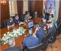 محافظ الإسكندرية يبحث مع وفد فرنسي مشروعات النقل الصديقة للبيئة