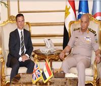 الفريق أول محمد زكي يلتقي وزير الدولة للقوات المسلحة البريطانية