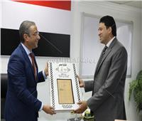 الأنصاري يكرم أطباء بمديرية الصحة بسوهاج في احتفالية «مصر بلا جذام»