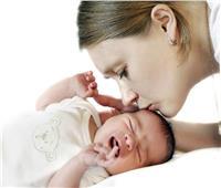 نصيحة للأمهات.. أتركي ابنك يبكي لينعم بنوم هادئ