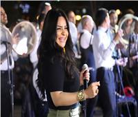 صور| هدى تُشعل حفلا غنائيا في النادي الأهلي