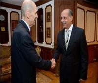 وزير الطيران يلتقي سفير جورجيا لبحث زيادة الحركة الجوية بين البلدين