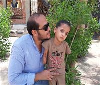 فيديو| مأساة «ريماس» طفلة فقدت ذراعيها بسبب الإهمال