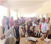 صور| رئيس جامعة القاهرة يستعرض تقريرًا حول إنجازات القوافل الطبية