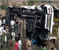 مقتل 15 شخصًا وإصابة آخرين في حادث تحطم حافلة شمالي الهند