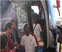 منتخب غانا لكرة القدم يصل الإسماعيلية على أنغام «السمسمية»