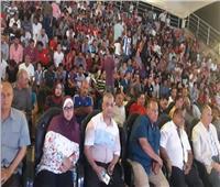 محافظ البحر الأحمر يشاهد مباراة مصر وزيمبابوى مع الأهالي