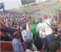 صور| الجماهير الجزائرية تؤازر المغرب أمام ناميبيا
