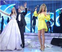 صور| نيكول سابا تُشعل الرقصات في زفاف «الأمين ونسمة» بسواريه أصفر قصير