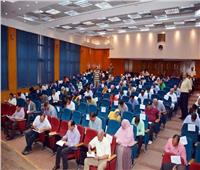 محافظ القليوبية يتفقد لجنة امتحانات اختيار نواب لرؤساء المدن ورؤساء للقرى