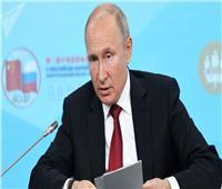 بوتين يدعو إلى القضاء على بؤر التوتر المتبقية في سوريا وإعادة اللاجئين