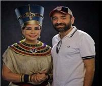 صورة.. سوسن بدر مع عمرو سلامة بالزي الفرعوني