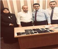 جمارك مطار القاهرة تحبط محاولة تهريب عدد من الهواتف المحمولة