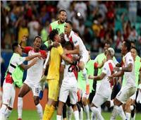 شاهد  البيرو تفوز على أوروجواي وتواجه تشيلي في نصف نهائي كوبا أمريكا