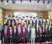 صور| وزير التعليم العالي يشهد احتفال تخرج طلاب الجامعة المصرية اليابانية