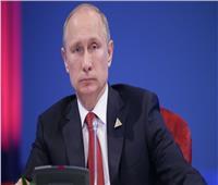 بوتين يضحك على ماكرون والسبب «الليبرالية» | فيديو