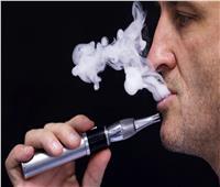 ما حكم استخدام السجائر الإلكترونية للتخلُّص من التدخين؟.. «الإفتاء» تجيب