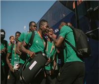 فيديو| طقوس خاصة من لاعبي نيجيريا والكاميرون في ستاد الإسكندرية