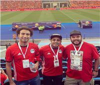 صور| نجوم «مسرح مصر» يؤازرون المنتخب المصري