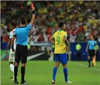 «خيسوس» يطرد من مباراة البرازيل وتشيلي في نهائي كوبا أمريكا 2019