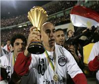 حسام حسن على القمة.. الأكثر تتويجًا بالبطولات رغم اقتراب «ألفيش»