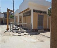 صور  قبلوا أقدام المسئولين لإنقاذهم.. «العزيزية» قرية مهددة بالانهيار