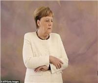 «ارتعاشة ميركل».. هل تطيح بالمستشارة الألمانية؟