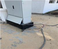 بالصور| كابلات الكهرباء تهدد سكان كمبوند سكنى بطريق السويس