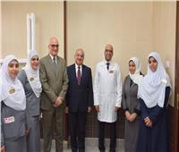 رئيس جامعة أسيوط يشيد بدور مستشفى الراجحي الجامعي في زراعة الكبد